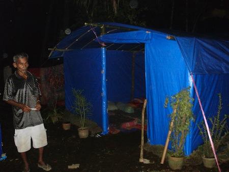 Tenda darurat untuk korban gempa SumBar